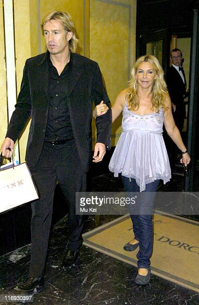 Lee Chapman and Leslie Ash during The 2005 Pink Ice Ball Departures at Dorchester Hotel in London Great Britain