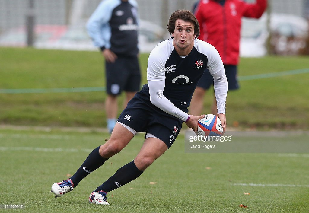 Lee Dickson runs with the ball during the England training session held at St Georges Park on October 29, 2012 in Burton-upon-Trent, England.