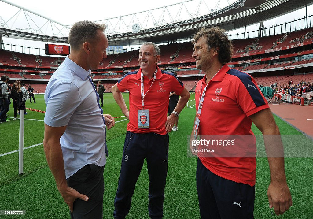 Arsenal Legends v AC Milan Glorie : News Photo
