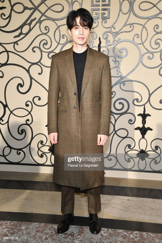 Lee Dongwook attends the Givenchy show as part of the Paris Fashion Week Womenswear Spring/Summer 2018 on October 1 2017 in Paris France