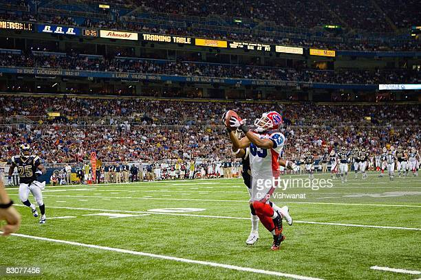 Lee Evans of the Buffalo Bills catches the ball during the game against the St Louis Rams at Edward Jones Dome on September 28 2008 in St Louis...