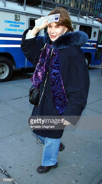 "Lee Grant arrives at Madison Square Garden for a performance of ""The Vagina Monologues"" February 10, 2001 in New York City."