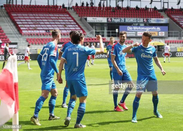 479 Jahn Regensburg V Holstein Kiel Second Bundesliga Photos And Premium High Res Pictures Getty Images