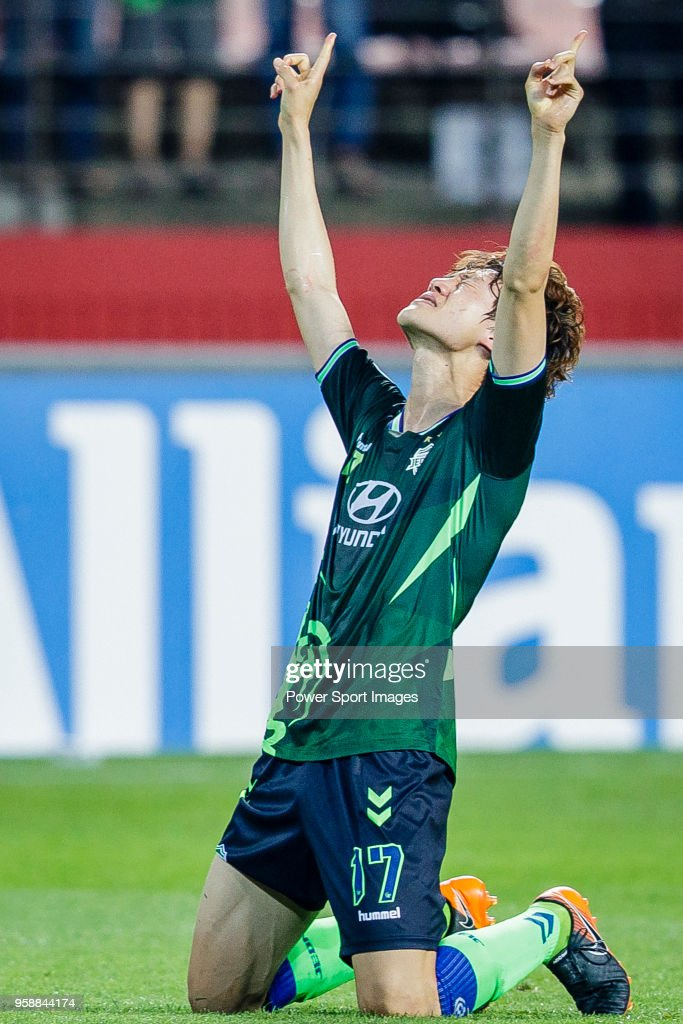 Lee Jae-Sung of Jeonbuk Hyundai Motors FC celebrates after scoring his goal during the AFC Champions League 2018 Group F match between Jeonbuk Hyundai Motors FC (KOR) and Buriram United (THA) at Jeonju World Cup Stadium on 15 May 2018, in Jeonju, South Korea.