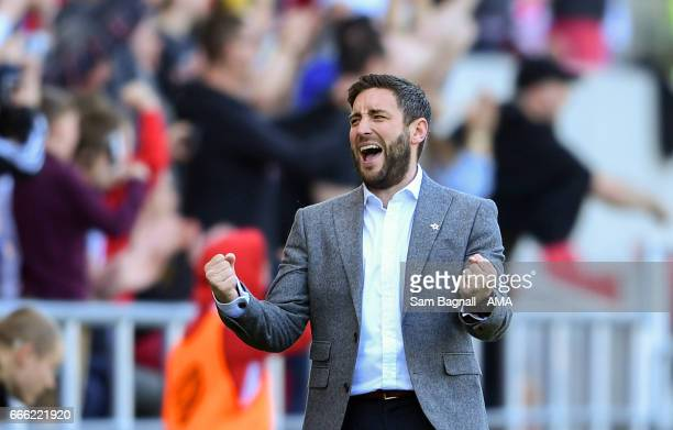 Lee Johnson manager / head coach of Bristol City celebrates his team's 2nd goal during the Sky Bet Championship match between Bristol City and...