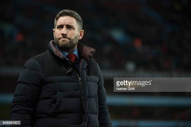 Lee Johnson manager of Bristol City looks on during the Sky Bet Championship match between Aston Villa and Bristol City at Villa Park on February 28...