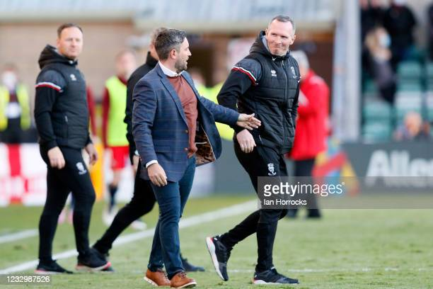 Lee Johnson of Sunderland and Michael Appleton of Lincoln on the final whistle following the Sky Bet League One Play-off Semi Final 1st Leg match...