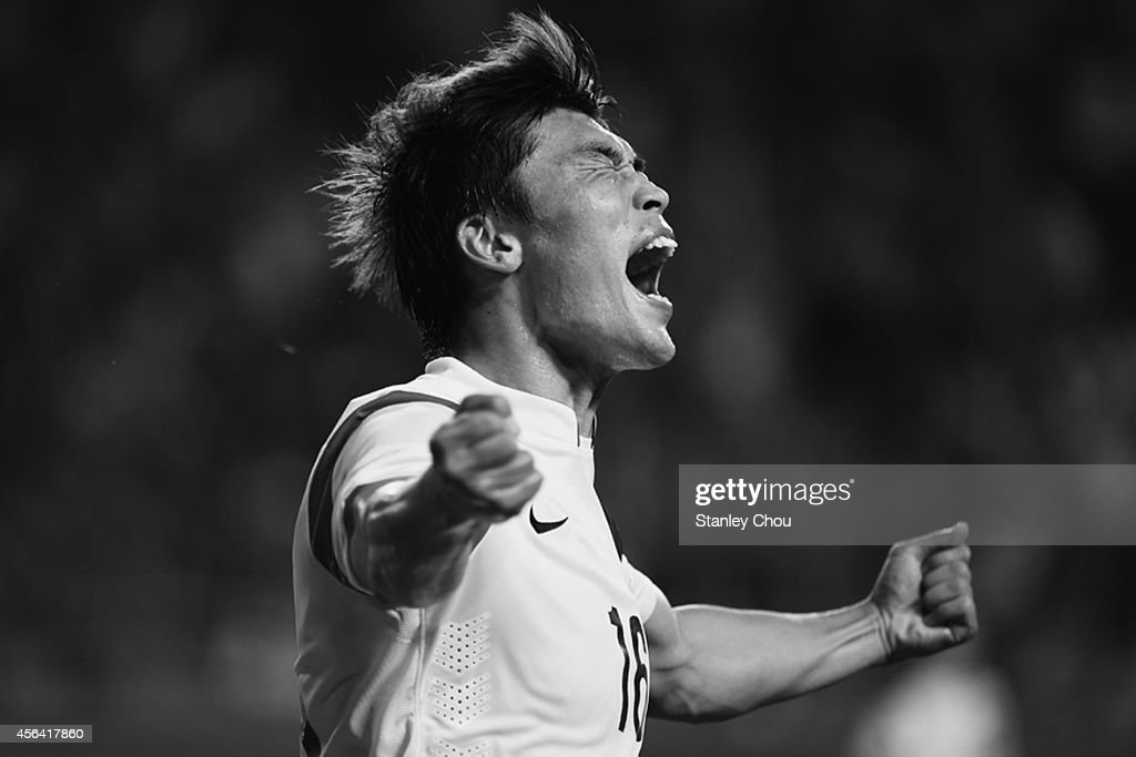 Lee Jongho of South Korea in ecstacy after scoring the 1st goal against Thailand during the Football Mens semi-final match between South Korea and Thailand during day eleven of the 2014 Asian Games at Munhak Stadium on September 30, 2014 in Incheon, South Korea.