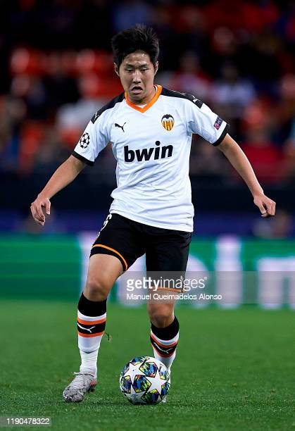 Lee Kangin of Valencia in action during the UEFA Champions League group H match between Valencia CF and Chelsea FC at Estadio Mestalla on November...
