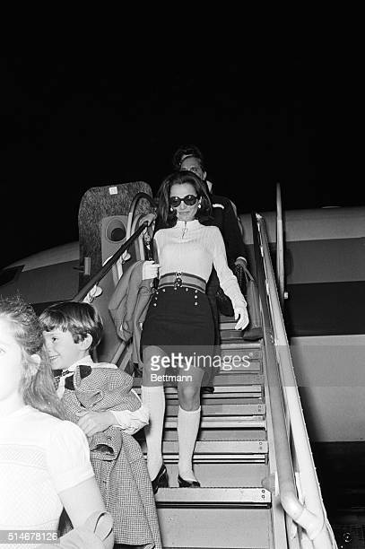 Lee Radziwill Jackie Kennedy's sister gets of a plane in Acapulco