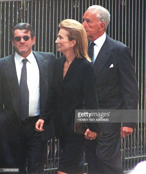 Lee Radziwill the sister of Jacqueline Kennedy Onassis arrives at the Church of St Thomas More for a memoral service for John F Kennedy Jr and his...