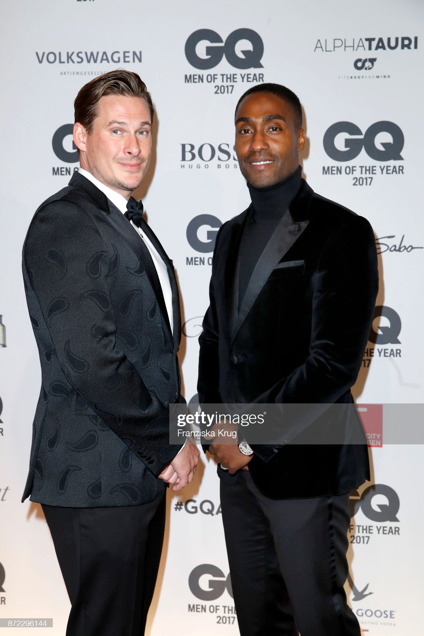 ¿Cuánto mide Lee Ryan? - Real height Lee-ryan-and-simon-webbe-of-the-band-blue-arrive-for-the-gq-men-of-picture-id872296144?s=2048x2048