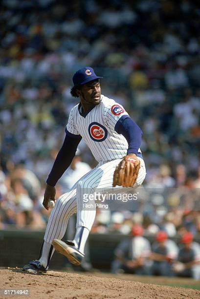 Lee Smith of the Chicago Cubs delivers a pitch during a game in September 1985 at Wrigley Field in Chicago Illnois Lee Smith played for the Chicago...
