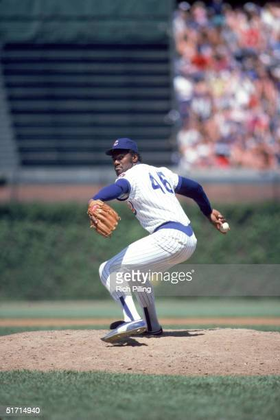 Lee Smith of the Chicago Cubs delivers a pitch during a game in September1984 at Wrigley Field in Chicago Illnois Lee Smith played for the Chicago...