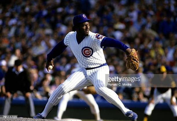 Lee Smith of the Chicago Cubs pitching during Game 2 of the 1984 National League Championship Series against the San Diego Padres on October 3 1984...