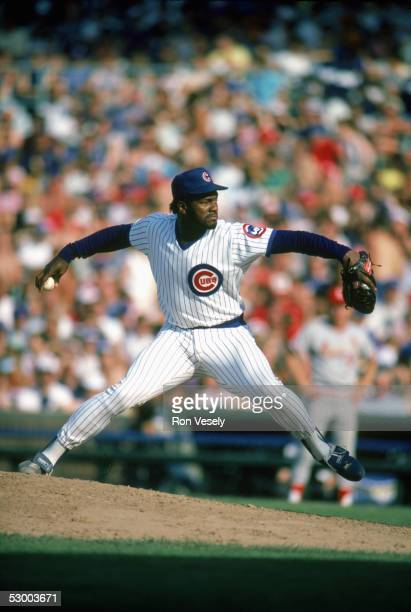 Lee Smith of the Chicago Cubs winds up for a pitch during a game Lee Smith played for the Chicago Cubs from 19801987