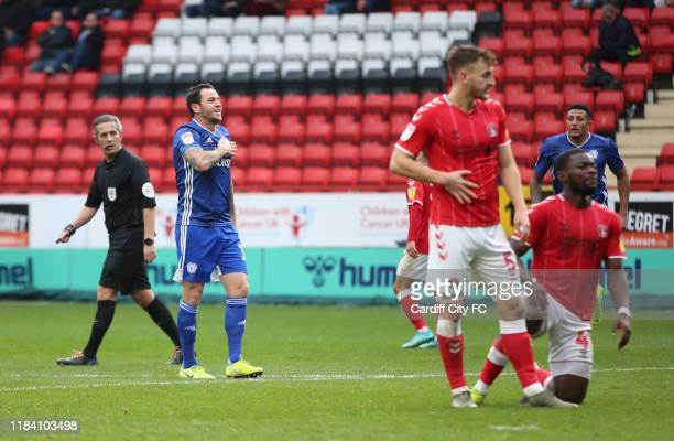 Lee Tomlin celebrates the second goal for Cardiff City FC during the Sky Bet Championship match between Charlton Athletic and Cardiff City at The...