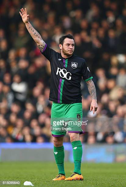 Lee Tomlin of Bristol City celebrates scoring the winning goal from a freekick during the Sky Bet Championship match between Fulham and Bristol City...