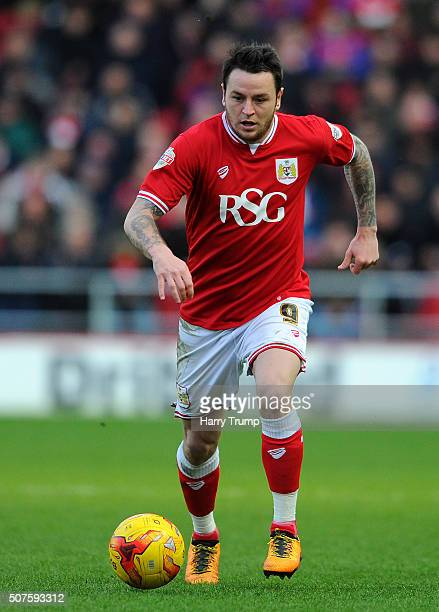 Lee Tomlin of Bristol City during the Sky Bet Championship match between Bristol City and Birmingham City at Ashton Gate on January 30 2016 in...