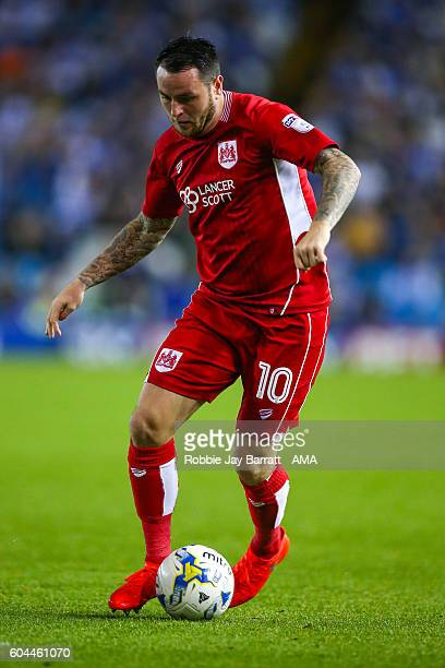 Lee Tomlin of Bristol City during the Sky Bet Championship match between Sheffield Wednesday and Bristol City at Hillsborough on September 13 2016 in...