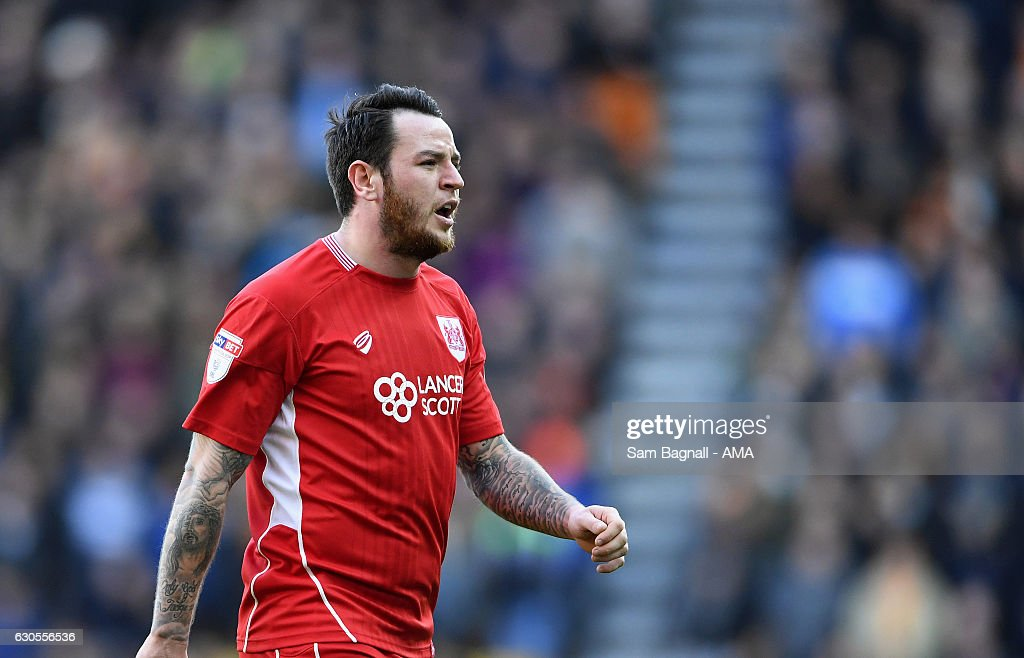 Lee Tomlin of Bristol City during the Sky Bet Championship match between Wolverhampton Wanderers and Bristol City at Molineux on December 26, 2016 in Wolverhampton, England.