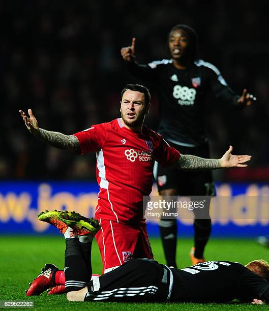 Lee Tomlin of Bristol City reacts during the Sky Bet Championship match between Bristol City and Brentford at Ashton Gate on December 13 2016 in...