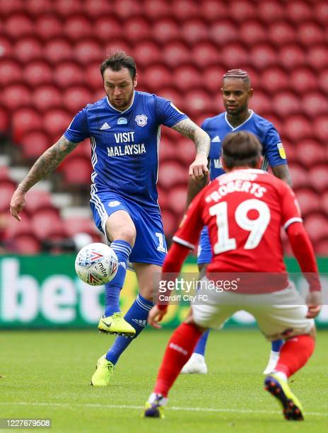 Lee Tomlin of Cardiff City FC and Patrick Roberts of Middlesbrough during the Sky Bet Championship match between Middlesbrough and Cardiff City at...