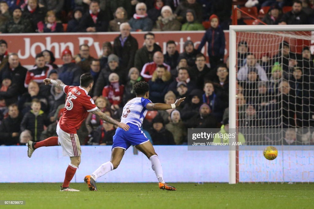 Lee Tomlin of Nottingham Forest scores a goal to make it 1-1 during the Sky Bet Championship match between Nottingham Forest and Reading at City Ground on February 20, 2018 in Nottingham, England.