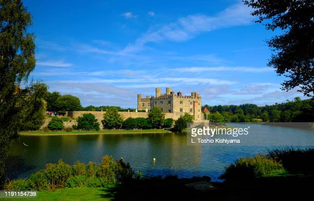 leeds castle in kent, england - leeds castle stock pictures, royalty-free photos & images