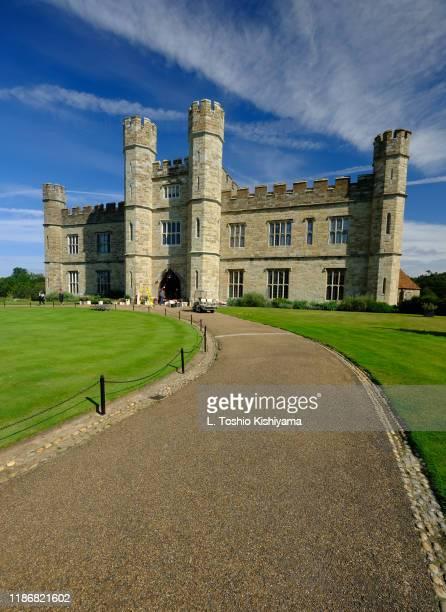 leeds castle - leeds castle stock pictures, royalty-free photos & images