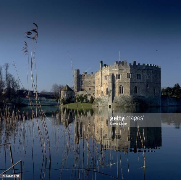 leeds castle, uk - leeds castle stock pictures, royalty-free photos & images