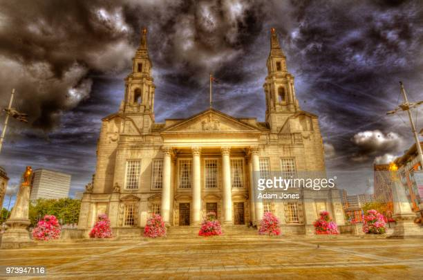 leeds civic hall - leeds civic hall stock photos and pictures