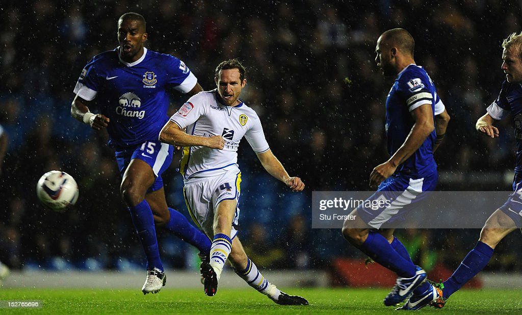 Leeds United v Everton - Capital One Cup Third Round : News Photo