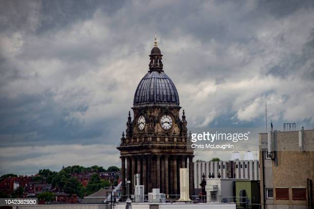 leeds town hall - leeds skyline stock photos and pictures