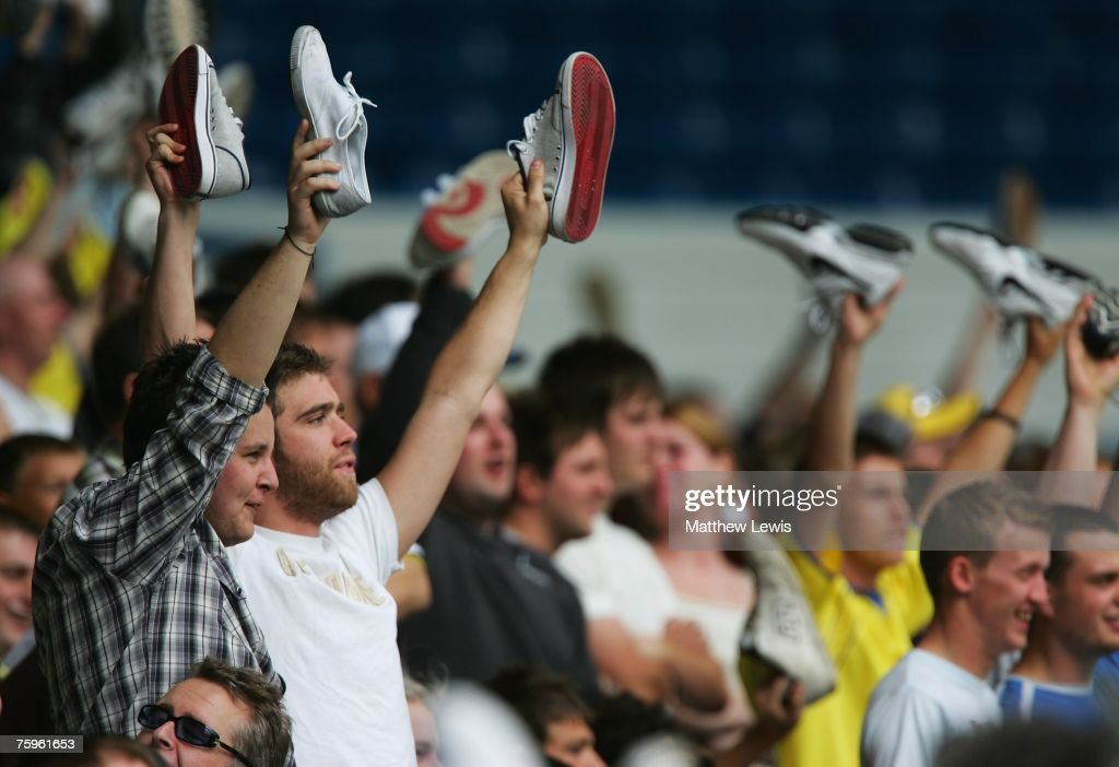 Leeds United fans show their fellings to Ken Bates during the Pre-Season Friendly match between Leeds United and Wigan Athletic at Elland Road, on August 04, 2007 in Leeds, England.