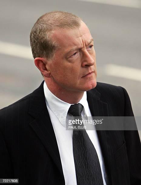 Leeds, UNITED KINGDOM: British snooker player Steve Davis arrives at the funeral of snooker player Paul Hunter at Leeds Parish Church, in Leeds,...