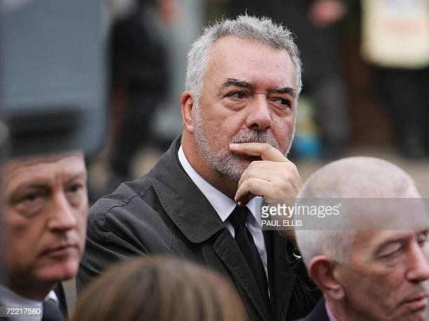 Leeds, UNITED KINGDOM: Former British snooker player John Virgo arrives at the funeral of snooker player Paul Hunter at Leeds Parish Church, in...