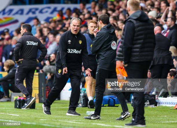 Leeds United manager Marcelo Bielsa remonstrates with fourth official Darren England during the Sky Bet Championship match between Leeds United and...