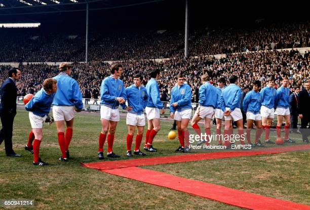 Leeds United wait to meet the assembled dignitaries before the match Billy Bremner Gary Sprake Paul Madeley Johnny Giles Norman Hunter Terry Cooper...