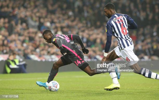 BROMWICH ENGLAND JANUARY Leeds United's Edward Nketiah and West Bromwich Albion's Semi Ajayi during the Sky Bet Championship match between West...