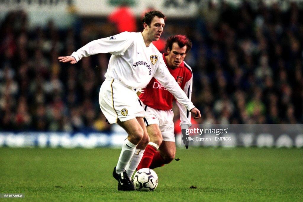 Soccer - FA Barclaycard Premiership - Leeds United v Arsenal : News Photo