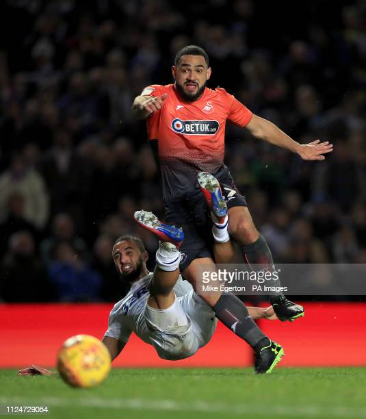 Leeds United's Kemar Roofe and Swansea City's Cameron CarterVickers battle for the ball during the Sky Bet Championship match at Elland Road Leeds