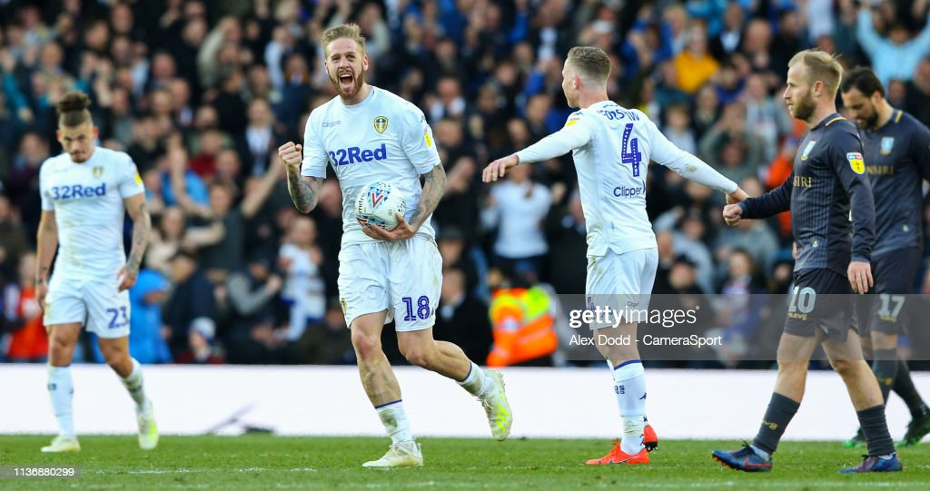 Leeds United v Sheffield Wednesday - Sky Bet Championship : News Photo