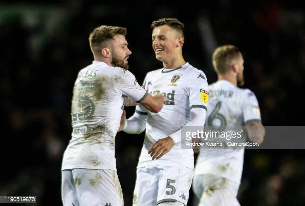 Leeds United's Stuart Dallas celebrates scoring his side's first goal with team mate Ben White during the Sky Bet Championship match between Leeds...