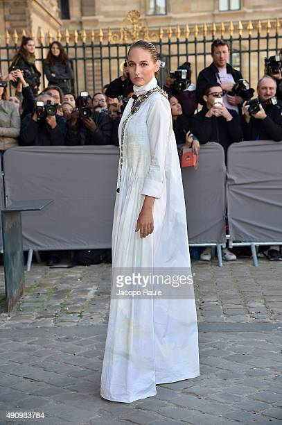 Leelee Sobieski is arriving at Dior Fashion Show during the Paris Fashion Week S/S 2016 Day 4 on October 2 2015 in Paris France