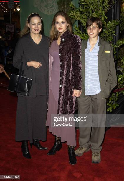 Leelee Sobieski with mom brother during 'Harry Potter and the Chamber of Secrets' Premiere Los Angeles Arrivals at Mann Village Theatre in Westwood...