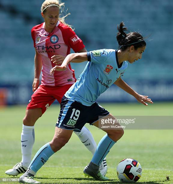 Leena Khamis of Sydney controls the ball during the round 11 W-League match between Sydney FC and Melbourne City FC at Allianz Stadium on January 8,...