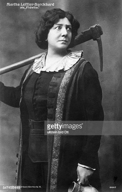 LefflerBurckhard Martha *18651954Sängerin Dals Fidelio in der Oper 'Fidelio' von Ludwig van BeethovenDeutsches Opernhaus Berlin Charlottenburg 1913