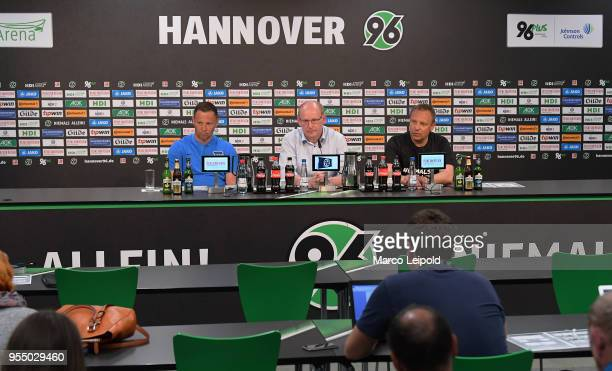 left coach Pal Dardai of Hertha BSC and right coach Andre Breitenreiter of Hannover 96 during the press conference after the Bundesliga game between...