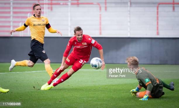 left Jannik Mueller of SG Dynamo Dresden Marcus Ingvartsen of 1 FC Union Berlin during the friendly match between 1st FC Union Berlin against SG...